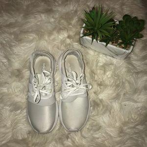 finest selection 18970 e298c adidas Shoes - ADIDAS ORIGINALS TUBULAR VIRAL - WOMEN (USED)